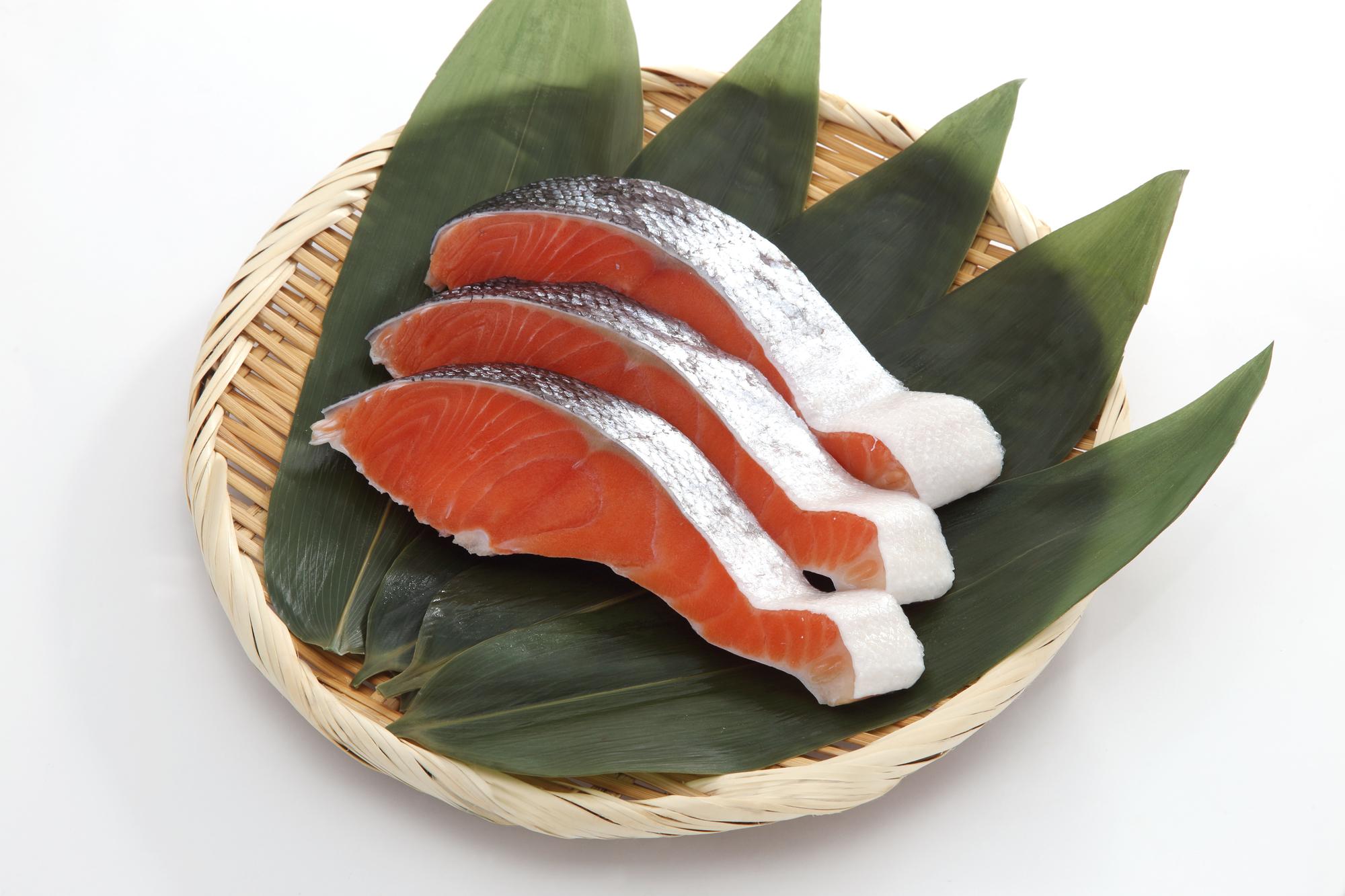 クレアチンを含む主な食べ物_鮭